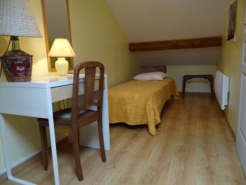 2 lits dans la chambre 2